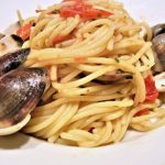 Spicy Spaghetti with Clams and Red Bell Pepper